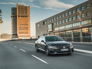 Volkswagen-Arteon-4MOTION-R-Line-2017-1280x800-011