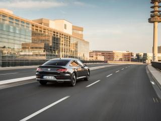 Volkswagen-Arteon-4MOTION-R-Line-2017-1280x800-012