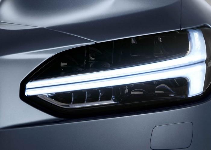 Стала известна стоимость автомобиля седан S90 от Volvo