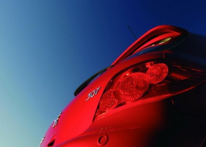 Обзор автомобиля Peugeot 307