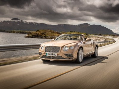 Новый автомобиль Bentley Continental GT проходит обкатку на дорогах