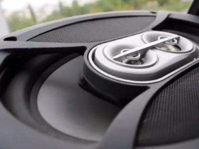 Акустическая система автомобиля – мощность и чувствительность динамиков