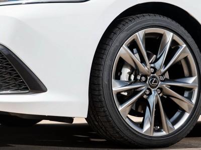 Lexus ES VII 2018