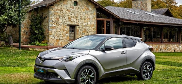Toyota показала дизайн будущего кроссовера C-HR